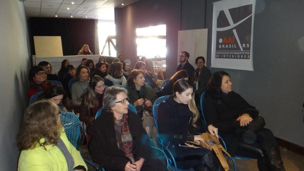 AAI Brasil/RS promove debate sobre a prática e as responsabilidades do arquiteto de interiores, em Porto Alegre