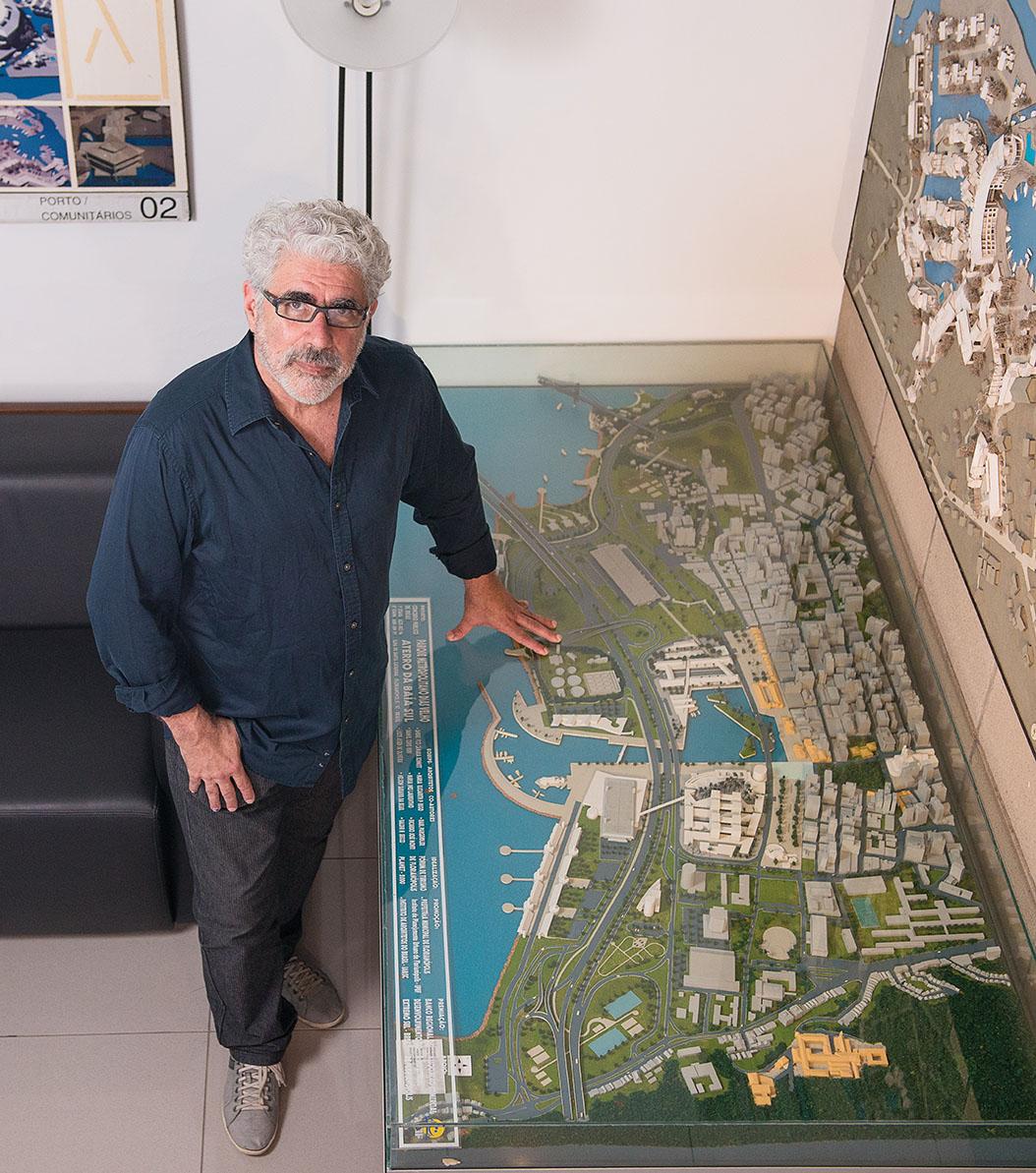 Arquiteto André Schmitt recebe homenagem do município de Florianópolis