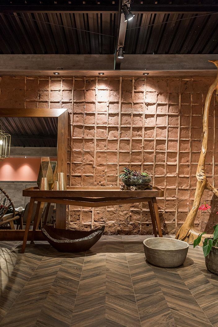 A beleza e os contrastes dos lounges da CASACOR Paraná