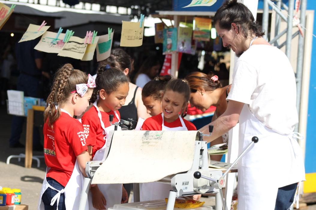 Fundação  Iberê  Camargo realiza projeto cultural e educativo itinerante na Grande Porto Alegre