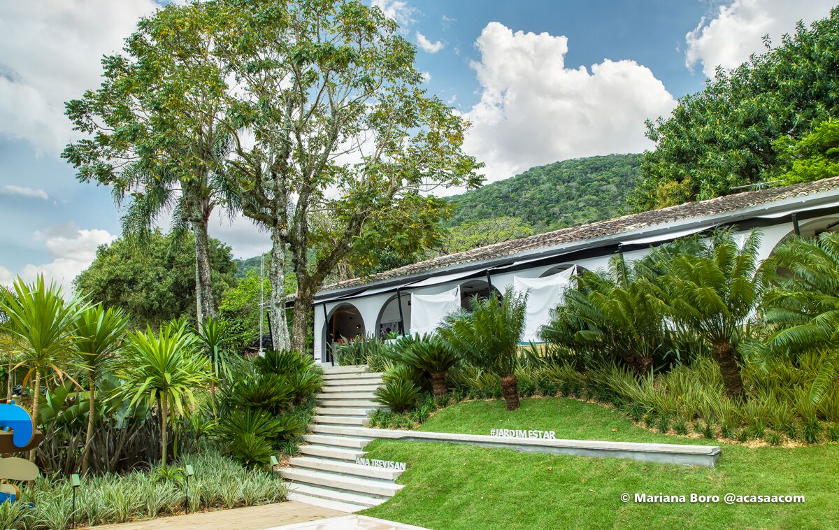 Ana Trevisan surpreende ao criar exuberante jardim em talude na CASACOR SC